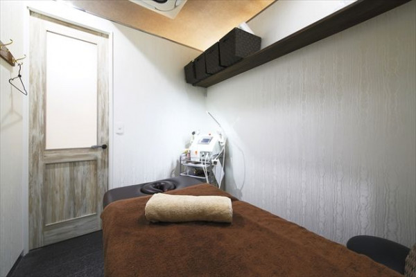 エステサロン・リラクゼーションサロン・マッサージ・スパ居抜き物件の写真です。